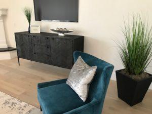 9628 E Laurel Ln Living Room