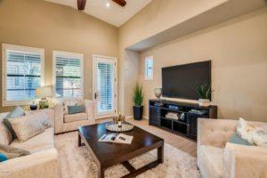 18650 N Thompson Peak Pkwy APT 1022 Living Room