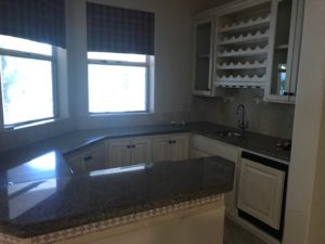 7241 N 71st Place Kitchen